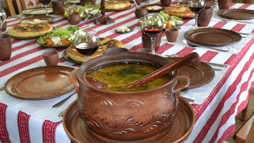 У пошуках диких смаків: гастротуризм та кухня українських «ковбоїв»