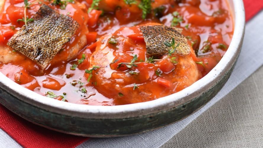 Січеники рибні з помідорами